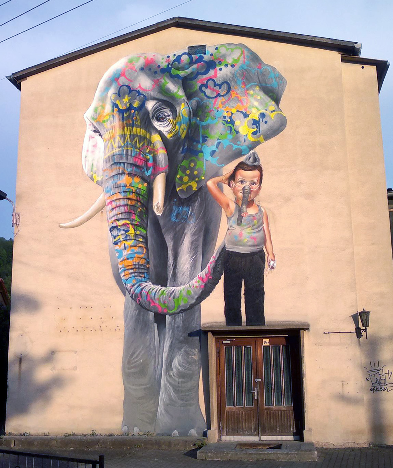 New case mural in schmalkalden germany gj project for Art mural painting